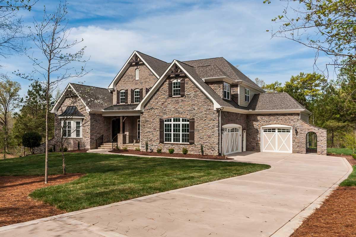 Contact Royalty Homes
